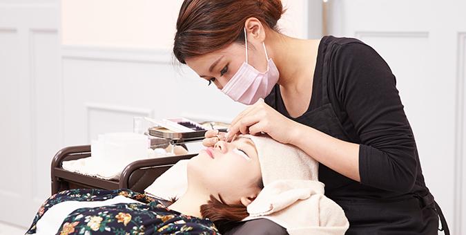 美容師免許所持者の施術